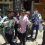 Bersama Relawan Milenial Makassar, MASIKA ICMI Sulsel Kembali Bagikan Ribuan Masker Gratis